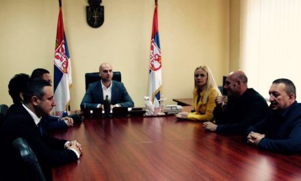 Симић: Посланици Српске листе се враћају у косовски парламент