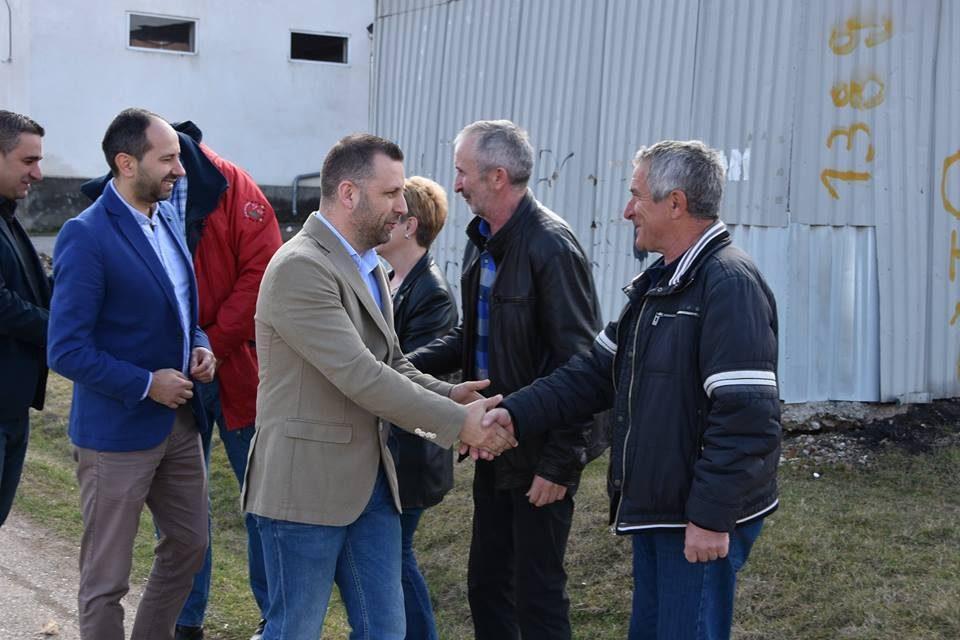 Mинистар Далибор Јевтић посетио село Старо Грацко