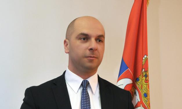 Симић: Свим правним и политичким мерама против војске КиМ