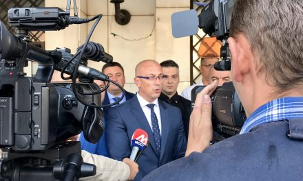 Srpska lista predala kandidature  za lokalne izbore