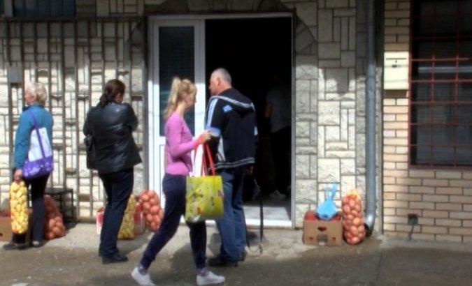 Zvečan: Podeljena humanitarna pomoć najugroženijima