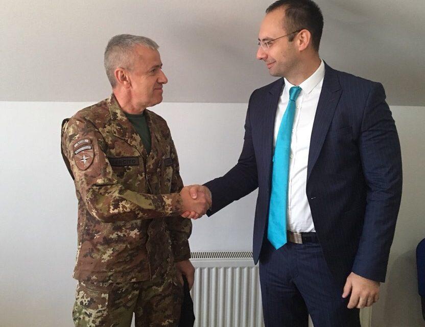 Игор Симић се сусрео са Kомандатом KФОР-а