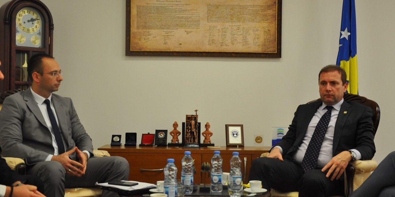 Представници Српске листе на састанку са министром МУП-а о личним документима