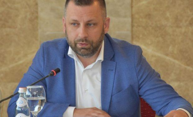 Jevtić: Obezbediti jednaka prava za sve; Simić: Položaj Srba sramota za Evropu u 21 veku