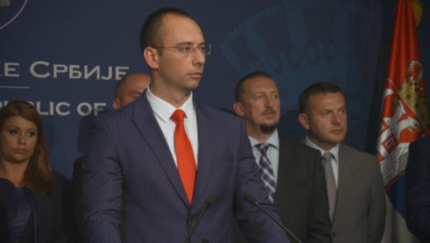 Симић: Поштовати право на употребу српског језика и заступљеност Срба